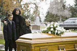 دور کردن کودک از مراسم خاکسپاری
